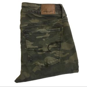 American Eagle AE Camo Distressed Jegging 8 Long